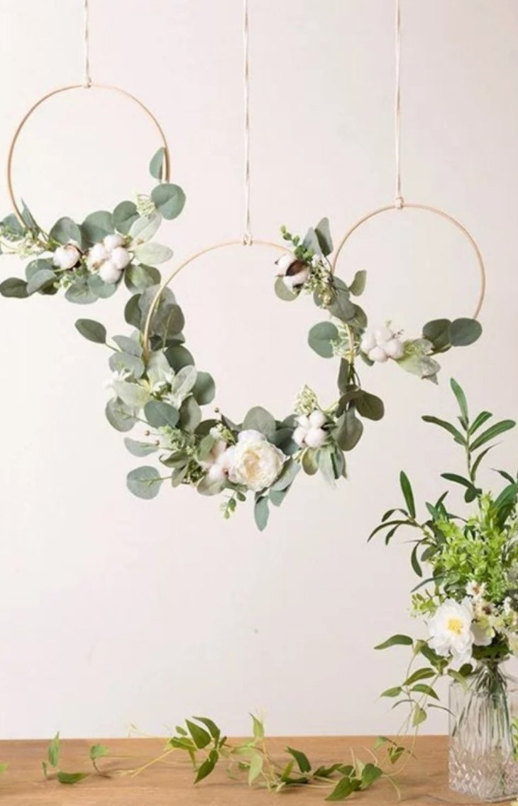Декорация от изкуствени цветя